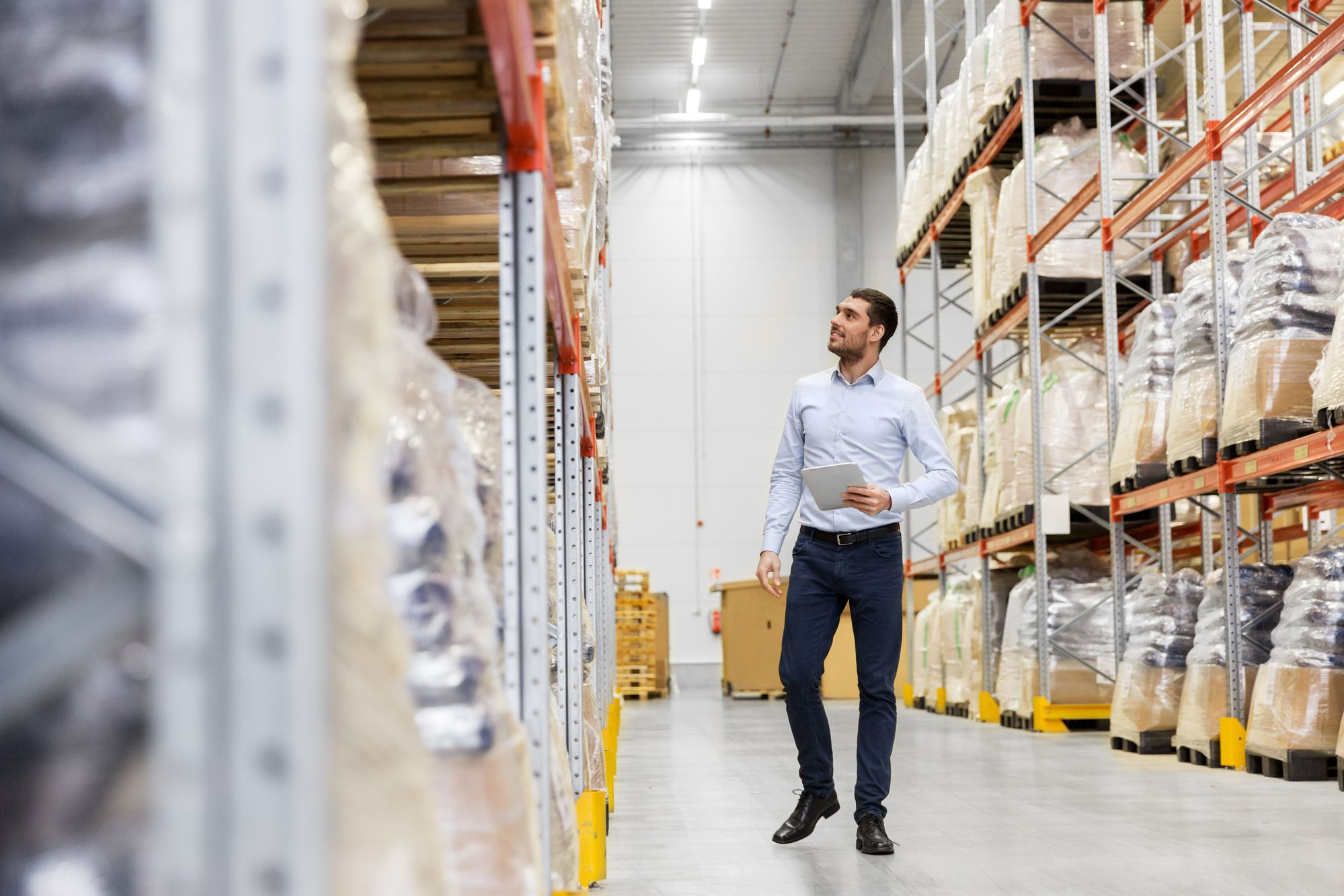 Sistemas de armazenagem FIFO e LIFO: como funcionam?