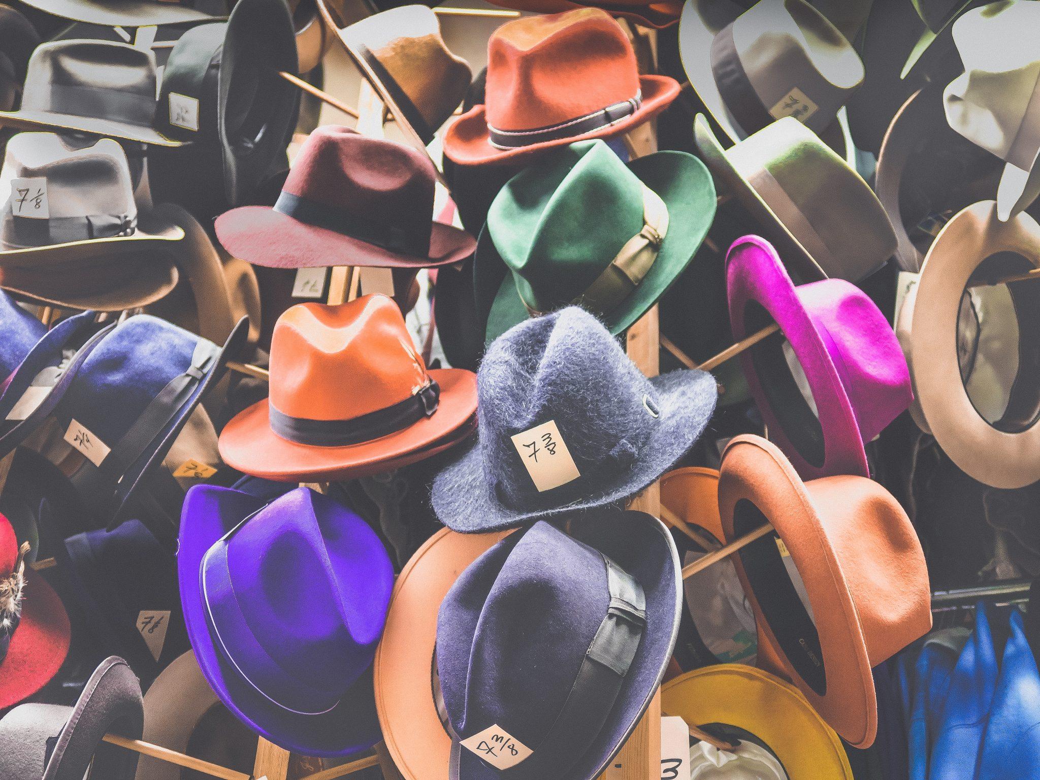 opções de chapéus no mercado